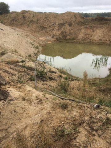 Zdj. 8 Wyrobisko pokopalniane wypełnione wodą